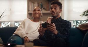 Motorola publica un video que ataca la innovación de Smasung con su producto, el moto Z con moto mods