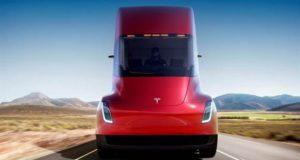 Elon Musk presenta un camión de transporte eléctrico