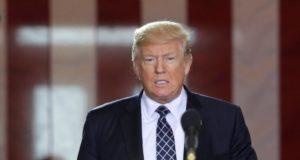 Donald Trump insiste en terminar con el TLCAN sin considerar las consecuencias a su economía