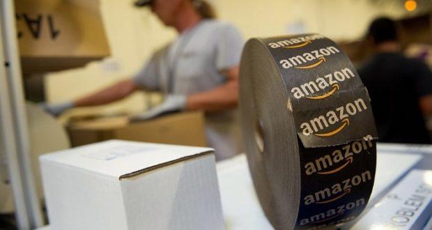 Trump considera que Amazon se aprovecha del servicio postal estadounidense