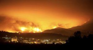 Cuatro incendios arden sin control en California desde el domingo