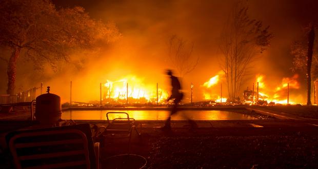 Fogata de indigentes provocó incendio Skirball en Los Ángeles: autoridades