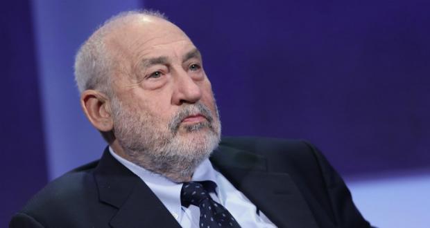Joseph Stiglitz, Premio Nobel de Economía, cree que se deben prohibir los Bitcoins