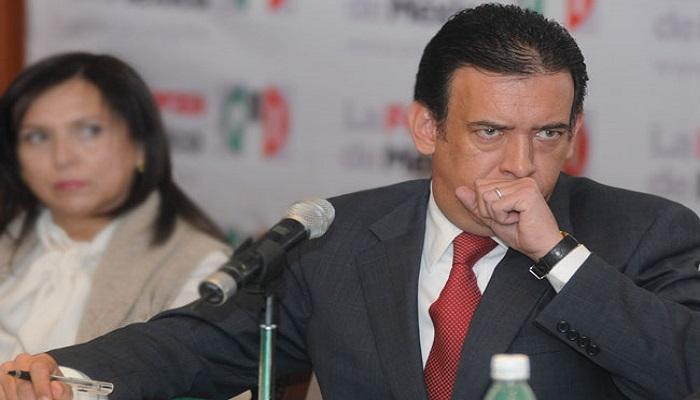 Humberto Moreira recupera militancia en el PRI