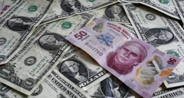 El peso sigue cayendo y por estas razones pierde terreno en su cotización frente al dólar.