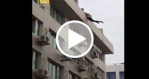 Bomberos rescatan a un hombre que intentó suicidarse por que su novia lo dejó [Video]