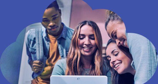 """Microsoft ayuda a jóvenes a """"crear tecnología"""" con cursos de programación en donde podrán aprender las bases de HTML, JavaScript y CSS."""
