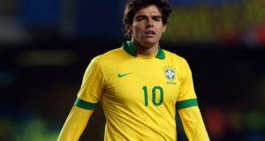 El futbolista brasileño Kaka anuncia su retiro de las canchas