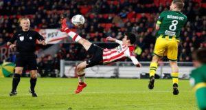 """Hirving """"El Chucky"""" Lozano ha cautivado no solo a la afición del PSV, sino también al exastro holandés Ruud Van Nistelrooy, quien tiene la mejor de las impresiones del delantero mexicano tras su histórico primer paso en Europa."""