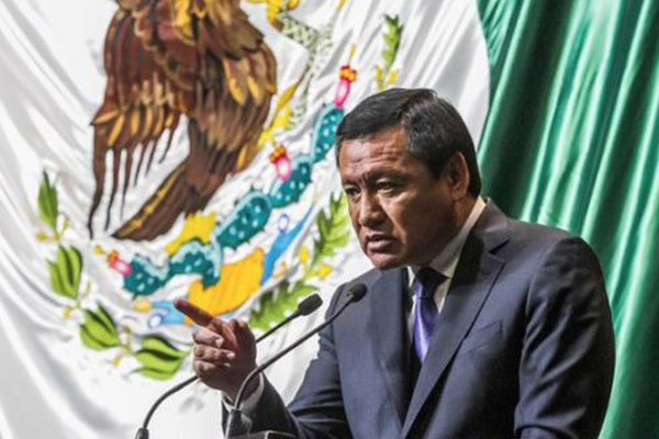 Osorio Chong confirma a Peña Nieto su renuncia a la Segob