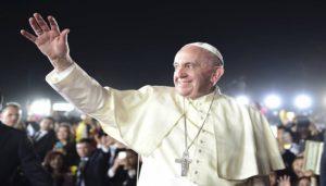 Visita del papa a Chile desata protestas: queman 3 iglesias