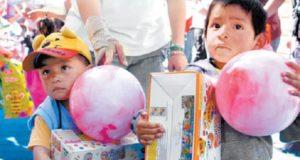 Niños damnificados por los terremotos esperan no ser olvidados por Reyes Magos