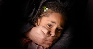 Estudiantes mexicanos crean pulsera anti secuestros para niños