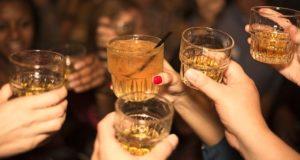 Estudio vincula el consumo en exceso de alcohol con la demencia