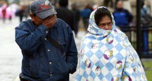 Investigadores aseguran que las mujeres son más sensibles al clima frío