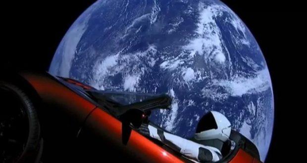 Estudio indica cual será el destino del auto Tesla enviado al espacio