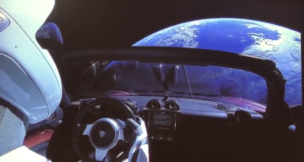 Un ingeniero electrónico creó un sitio web para rastrear al automóvil deportivo que viajó al espacio en un cohete Falcon Heavy.