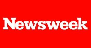 Newsweek despidió a su editor en jefe , su editor adjunto y tres periodistas después de que publicaran notas sobre el presunto fraude que cometió su empresa.