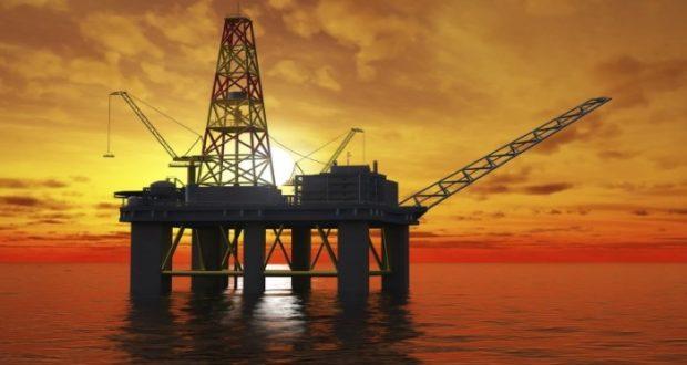 Planta de petroleo en el mar