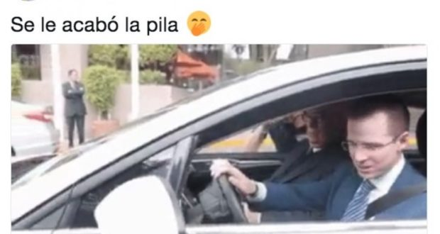 Ricardo Anaya no puede encender un auto híbrido y Meade se burla en redes