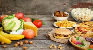 Investigadores alertan del consumo excesivo de alcohol, tabaco y alimentos ultraprocesados