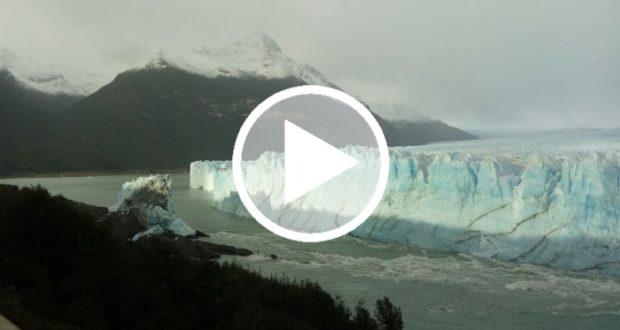 Graban derrumbe de un puente de hielo ubicado en el glaciar Perito Moreno
