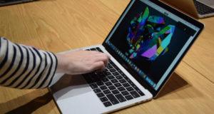 Apple podría estar desarrollando en una nueva laptop que cuente con dos displays