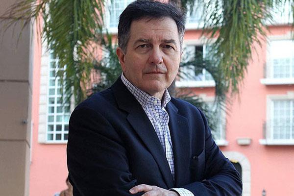 Roberto Ampuero