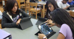 estudiantes con Ipad