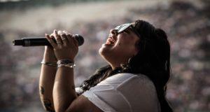 La cantante Carla Morrison señaló que sufrió acoso sexual cuando tenia cinco años de edad