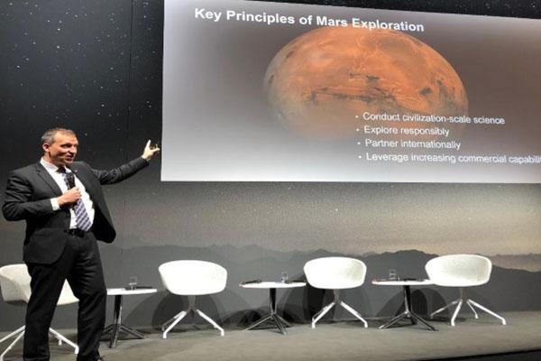 NASA y ESA buscarán traer a la Tierra muestras del suelo marciano