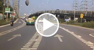 Enorme 'objeto volador' aterriza en una autopista de Tailandia [Video]