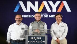 """Al presentar sus propuestas, Anaya dijo que la educación """"es el principal instrumento para el progreso, así como el mecanismo más eficiente para lograr la igualdad de oportunidades de cada mexicana y cada mexicano""""."""