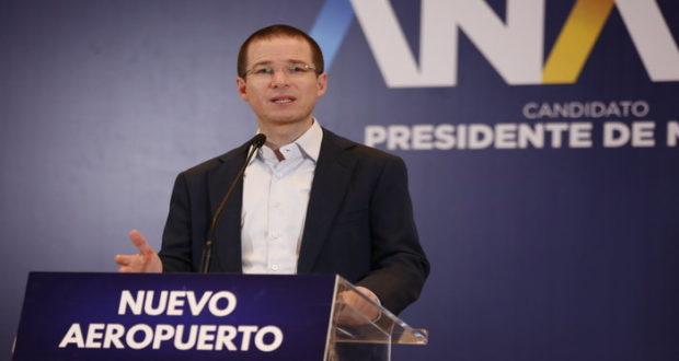 En conferencia de prensa, Ricardo Anaya habló sobre la construcción del Nuevo Aeropuerto Internacional de la Ciudad de México (AICM) y aseguró que cancelar el proyecto provocaría pérdidas de inversión y de generación de empleos.