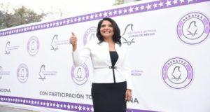 """Alejandra Barrales propone transporte gratuito a jóvenes estudiantes a través de la """"tarjeta llave"""", la cual también dará acceso a toda la ciudadanía a un seguro de gastos médicos y un seguro de vida."""