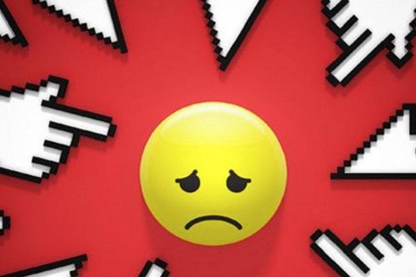 El cyberbulling es uno de los riesgos más importantes para los niños