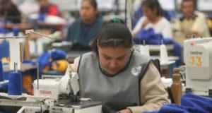 Trabajadora de maquila en México