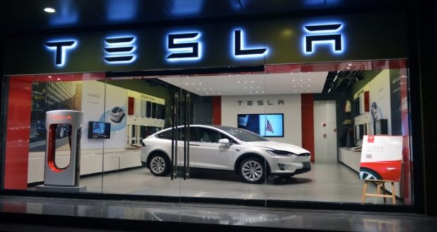 Tesla_Auto