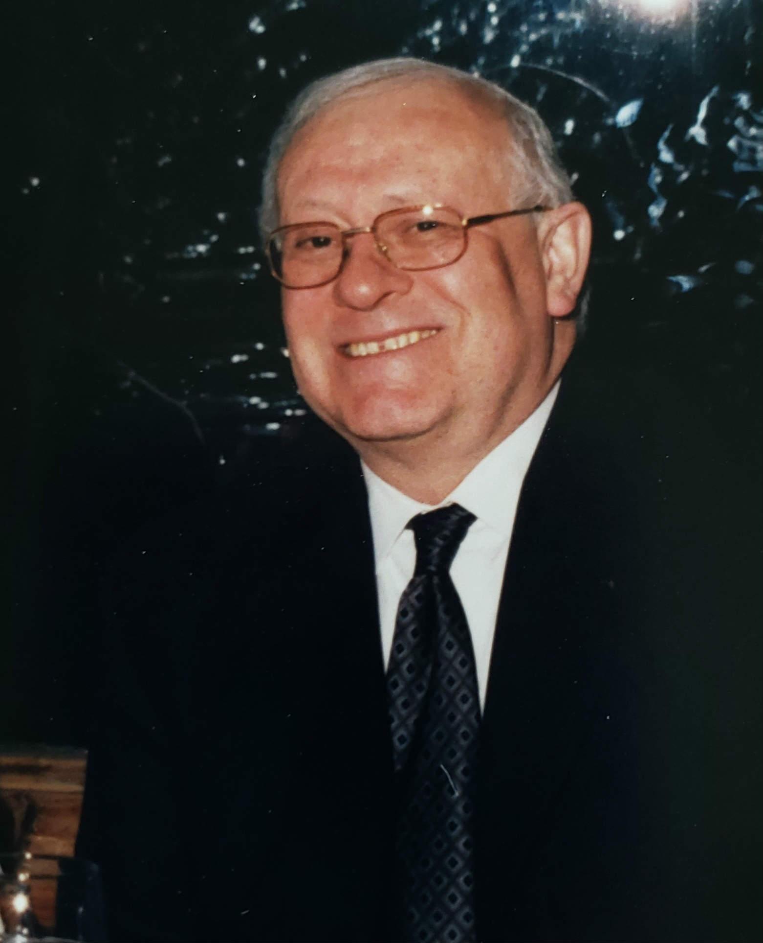 Don Ricardo J. Díez Hidalgo.