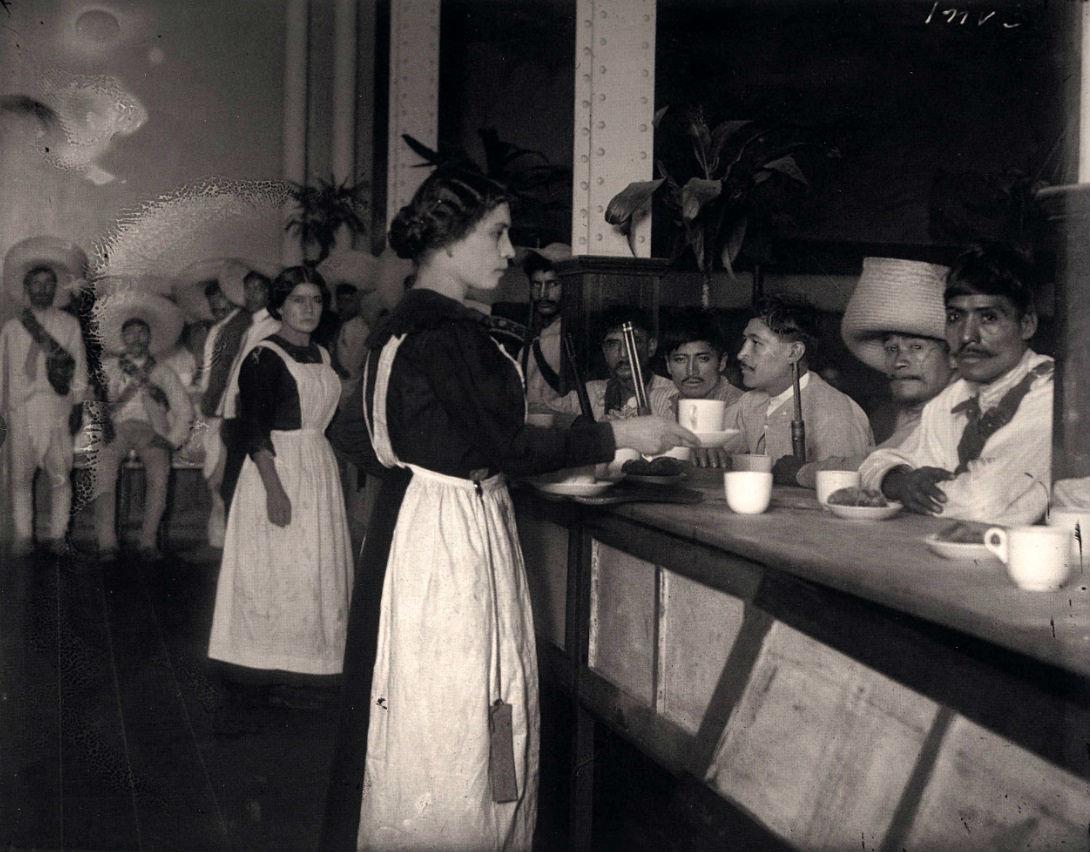 Zapatistas en el Sanborns.