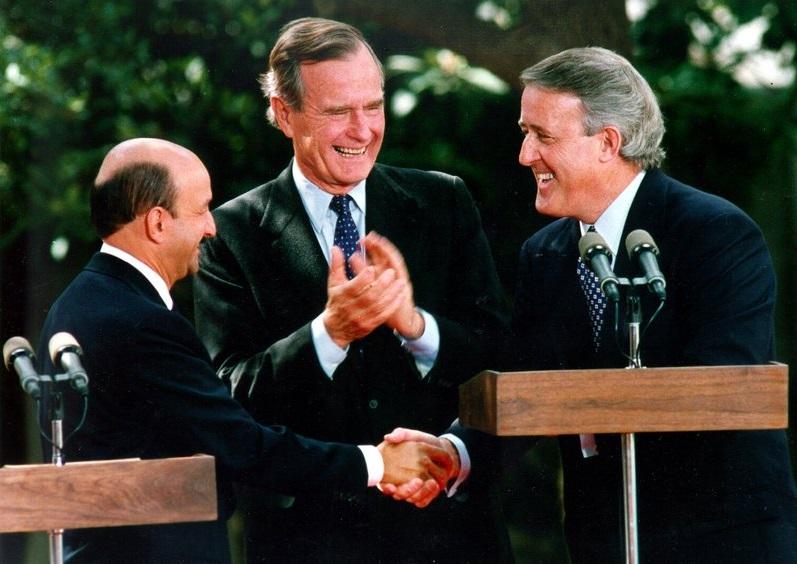 Firma del TLCAN 1990.