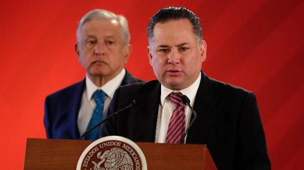 Santiago Nieto.