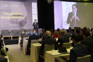El secretario de Hacienda y Crédito Público, Arturo Herrera, participa en el evento de Oxford Business Group (OBG), firma internacional de investigación de mercados y consultora