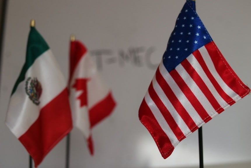 Banderas de México, EUA y Canadá T MEC