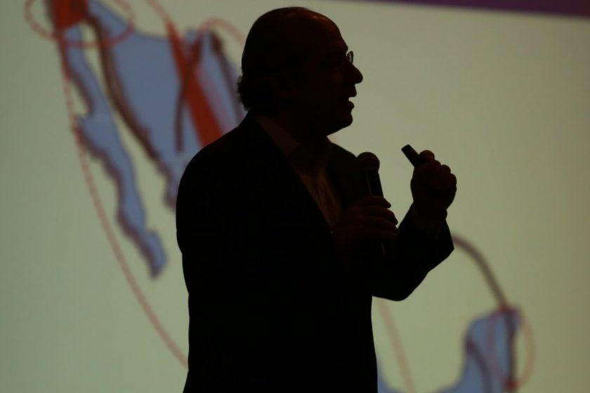 Felipe Calderón denunciado por Estela de Luz