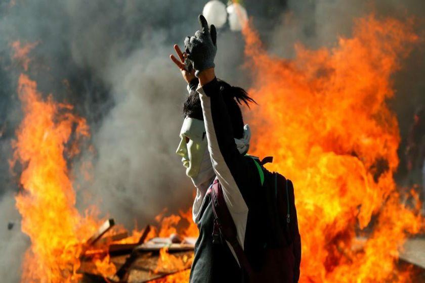 protesta en llamas