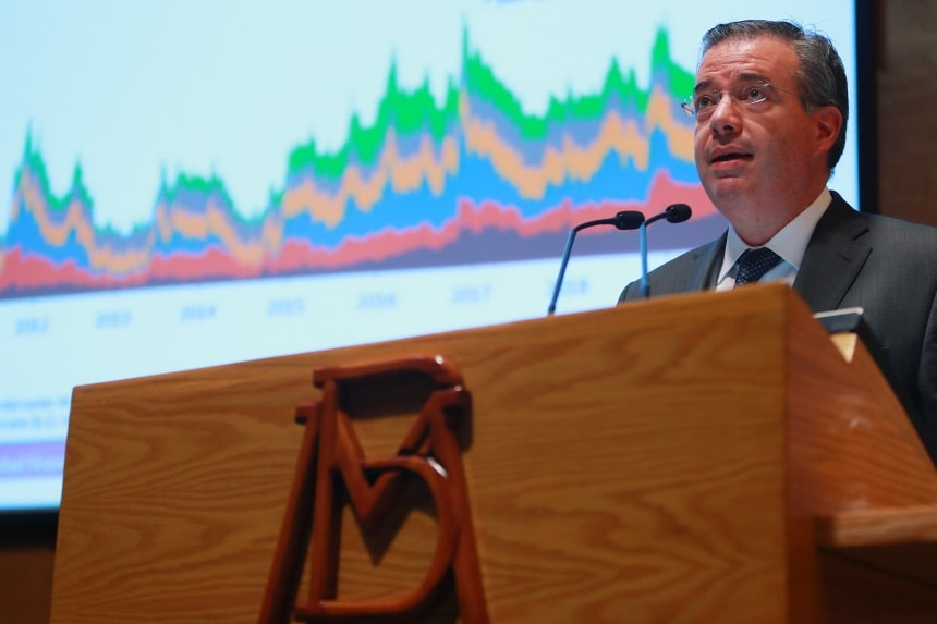 gobernador del Banco de México, Alejandro Díaz de León