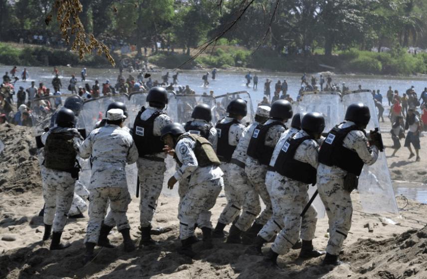 AMLO defiende la política migratoria en México