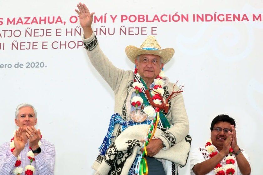 Se reúne AMLO con puemos indígenas en Edomex