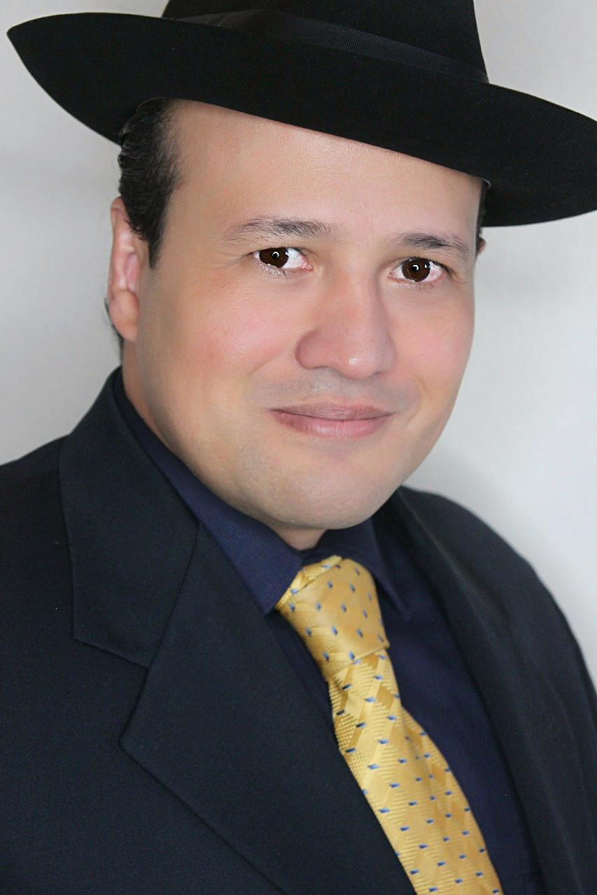 Roberto Arriola